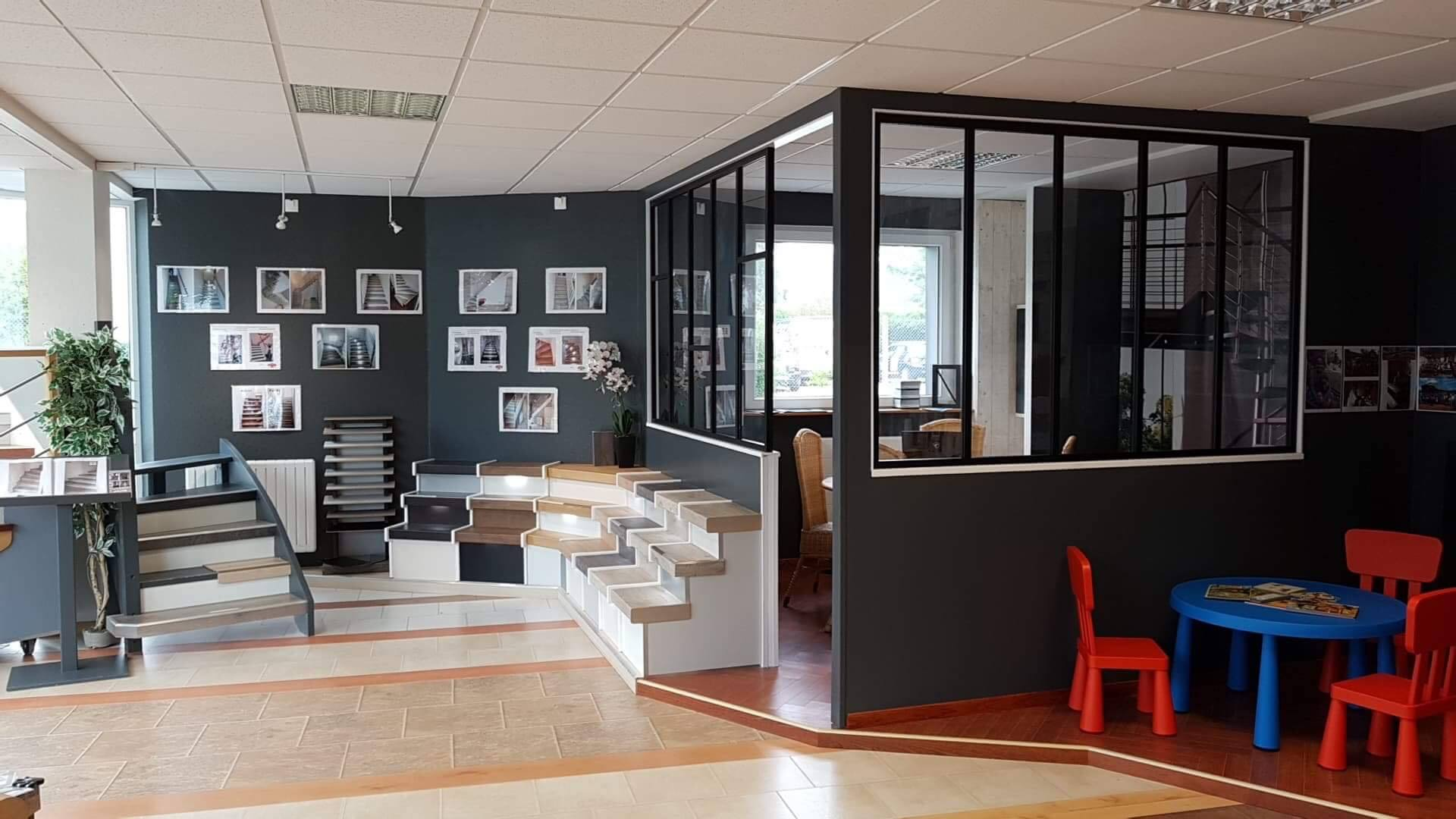 verri re sur mesure etude fourniture pose de votre verri re m tal. Black Bedroom Furniture Sets. Home Design Ideas