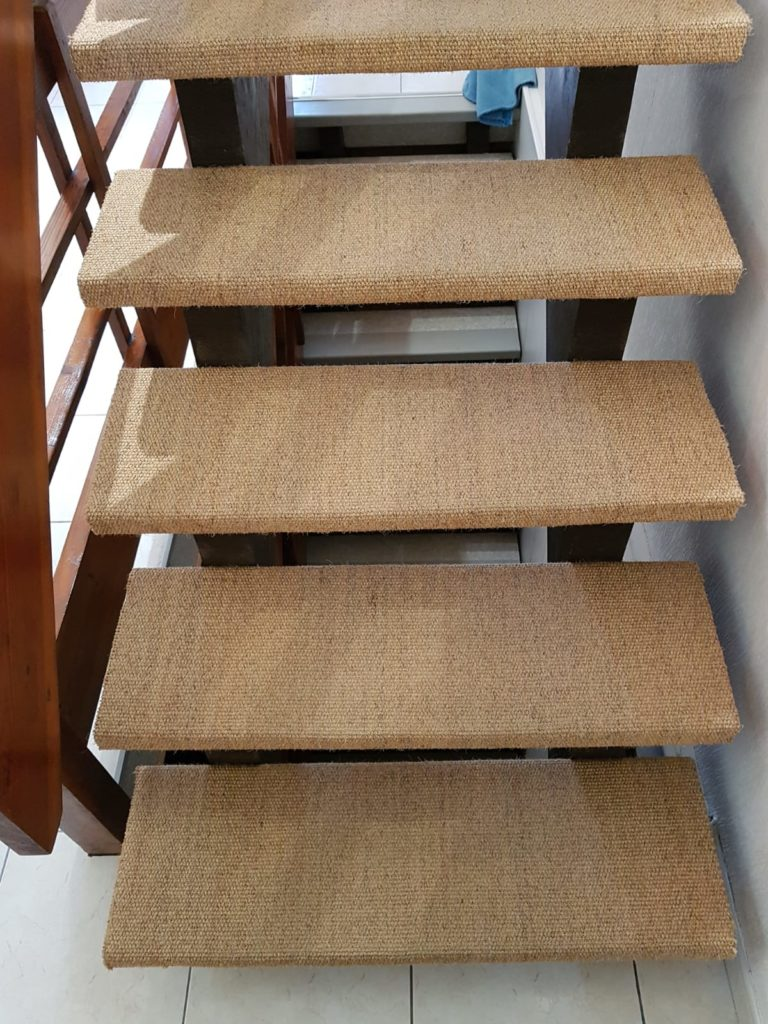 renovation escalier bois typique ancien region havre par habillage en normandie 02 marches bois