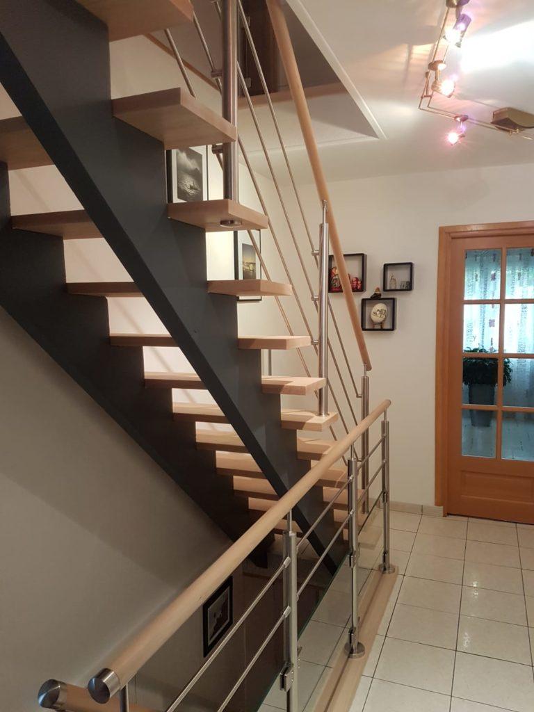 renovation escalier bois typique ancien region havre par habillage en normandie 22 entrée